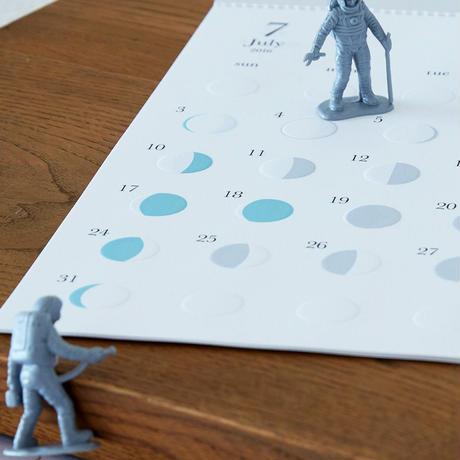 Replug|2022年 月の満ち欠けカレンダー「ミチル」
