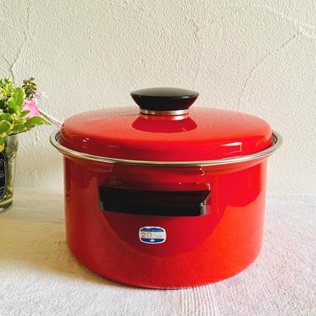 【7月号掲載分】houti MARUBISHI 可愛い赤色ホーロー鍋
