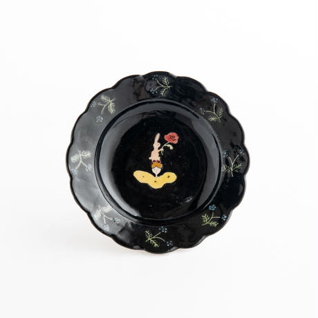 すずきあきこ 11.花型豆皿 花と天使(黒)