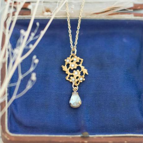 ヴィンテージアクセサリーパーツ レミース|サフィレットの小花ネックレス