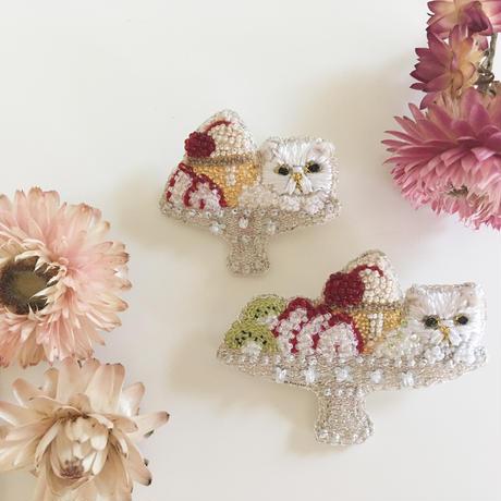 【8月号掲載分】Cotoha   プリンアラモードcat 限定ブローチ Ssize strawberry silver