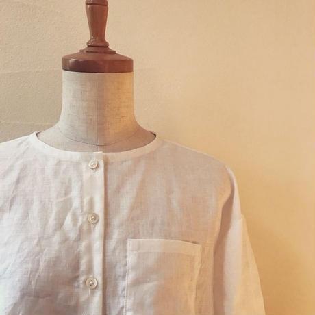 つかず離れずが心地いい リネンシャツ ノーカラー丸襟ver. 白、黒、リネンカラーからお選びください