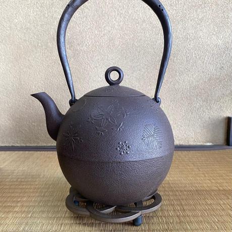 雪華文鉄瓶