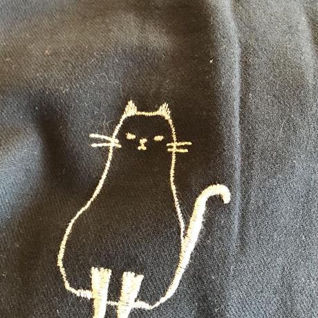 おすましねこ 刺繍ワンピース ブラック