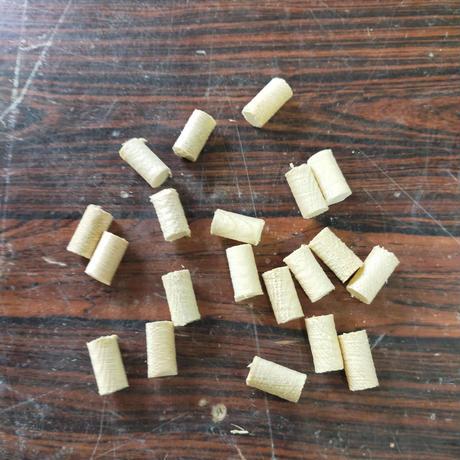 家具作成時の木ネジ用穴を塞ぐ フラットプラグ 100個