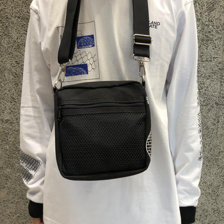 DREAMLAND SYNDICATE SHOULDERBAG BLACK