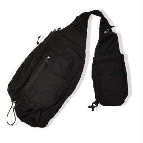 POP TRADING COMPANY  SLING BAG BLACK