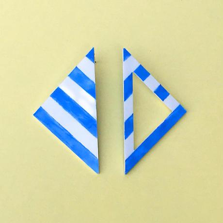 ストライプ 三角ピアス