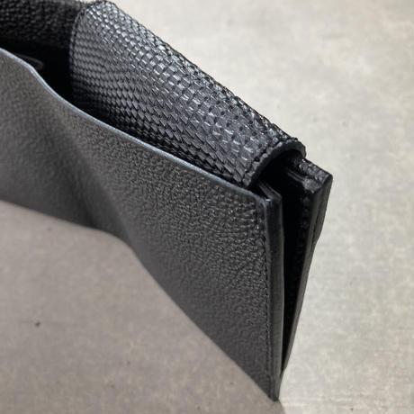 Dew-001 黒桟革×リザード