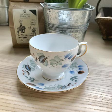 イギリス製 Bone China カップ&ソーサー葉っぱ