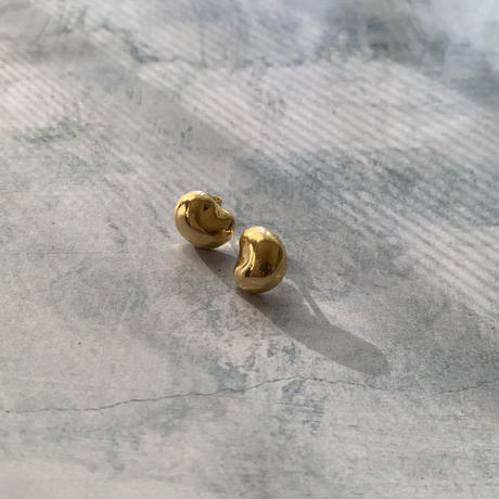 bean earrings -gold-