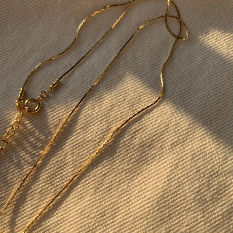 laki medai chain necklace