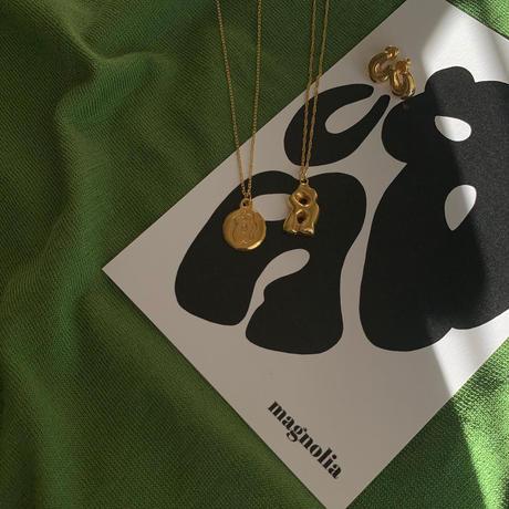 horseshoe pierce -gold-