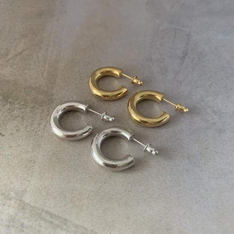 hoop pierce -gold-