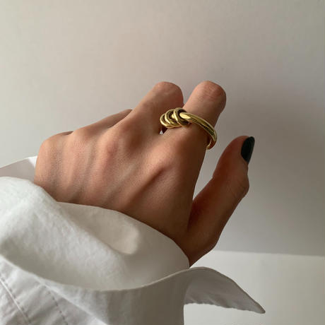 triple bold ring