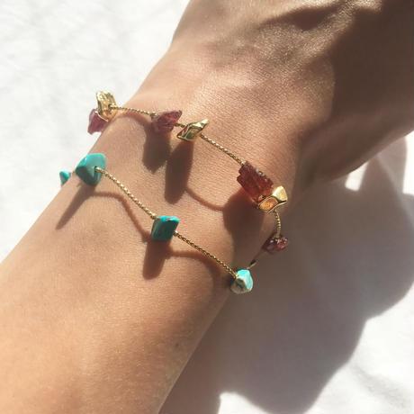 33 garnet & metal beads bracelet