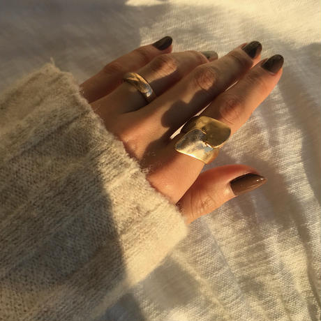 matte butterfly ring -gold-