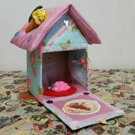 お菓子の家アート