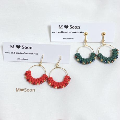 【moon ・beads】カーキカラー&レッドカラー