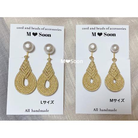 【しずく × コットンパール】Mサイズ ゴールド      ピアス&イヤリング