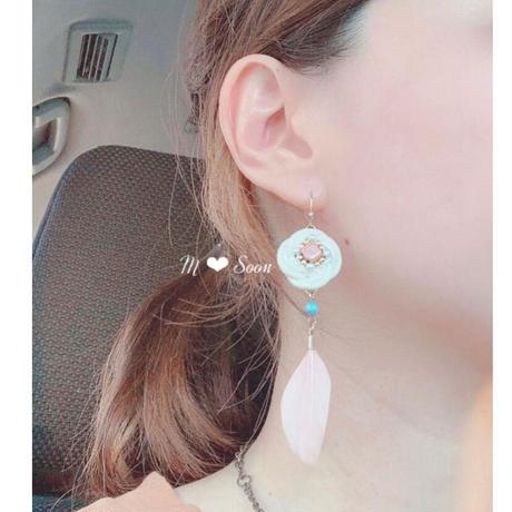 【フラワー・羽根】4color ピアスorイヤリング