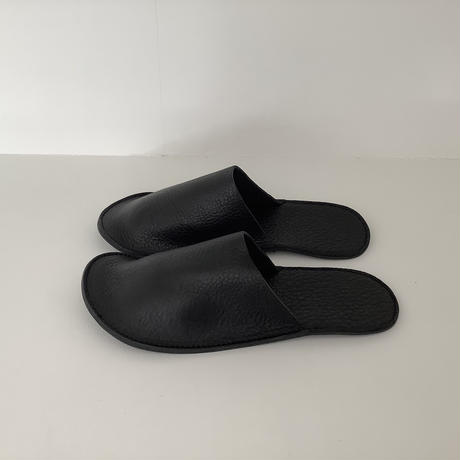 Leather slippers 黒
