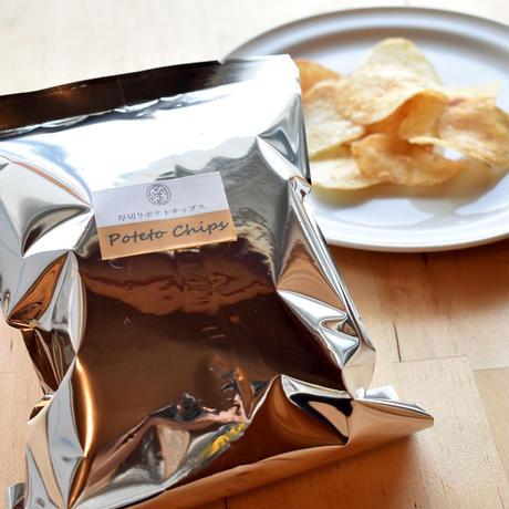 厚切りポテトチップス〈塩プレーン〉