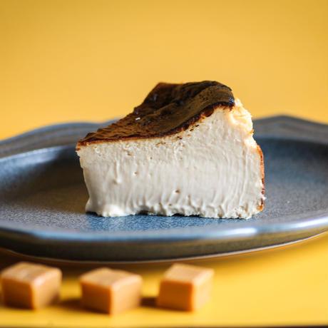 ビターキャラメルバスクチーズケーキ