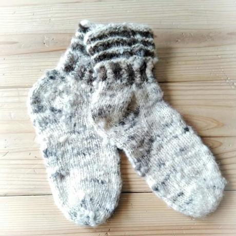 天然素材の手編みカバーソックス ふわふわまだら