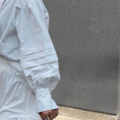 タックボリューム袖ブラウス(ホワイト)