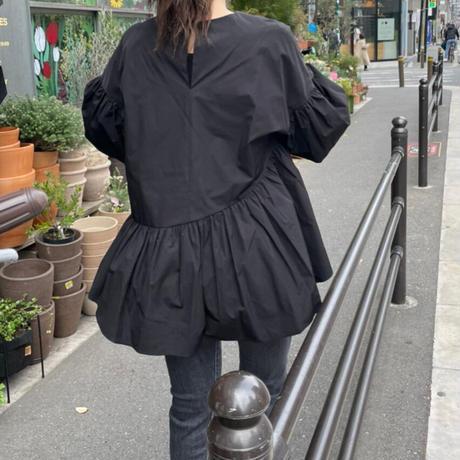 アシメ切替ボリューム袖ブラウス(ブラック)