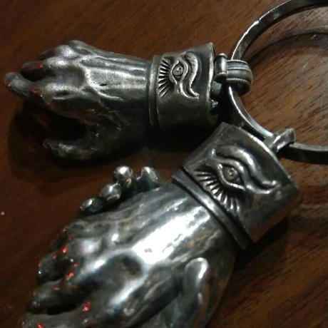Shake Hands Keyring - Silver(シルバー製) (Made by vitriol)