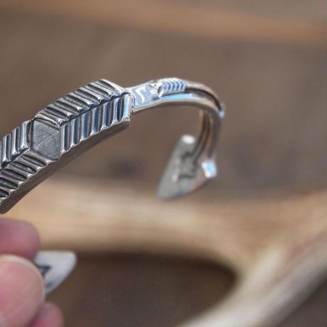 CODY SANDERSON - Cuffs Opposing Arrows
