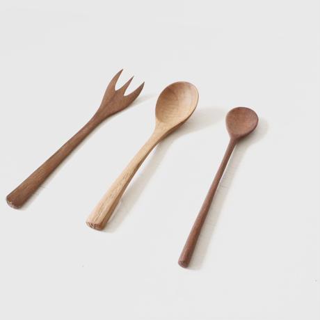 ワランワヤン spoon (noso)   (写真右)