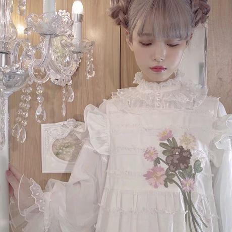 【お取り寄せ】【幻店】花束を添えたエプロンワンピース