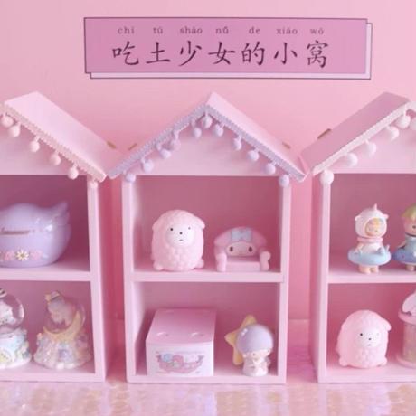 ポンポン飾りのおうち棚