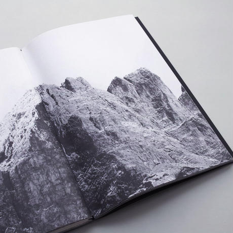 Nicolò Degiorgis / Peak