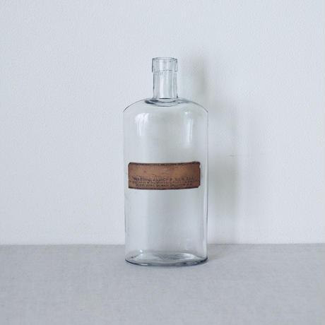 ガラスの薬瓶
