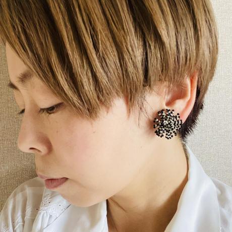 【ミミテチ】選択可/ピアスorイヤリング レッド×ホワイト Lサイズ