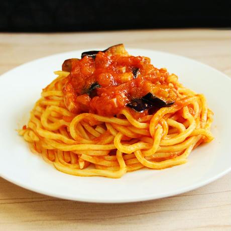 【セット】低加水パスタフレスカ ナスとベーコンのトマトソースセット(5食入り)