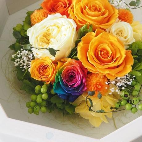 【名入れ】オリジナルメッセージ プリザーブドフラワー レインボーローズ Octagonオクタゴン Box アンティークホワイト ORANGE オレンジ