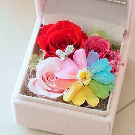 【送料無料】プリザーブドフラワー レインボージニア ジュエルボックス 指輪ケース フラワーアレンジメント ピンク 誕生日 プロポーズ 贈り物 ブライダルプレゼント 結婚記念日