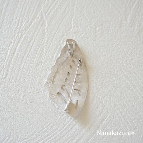 【 蝶の羽 ブローチペンダント 】蝶の羽が音を立てずに浮遊します。プレーンな形ならでは気高さに魅せられます。
