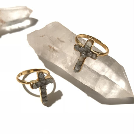 Diamond cross ring <Gray>
