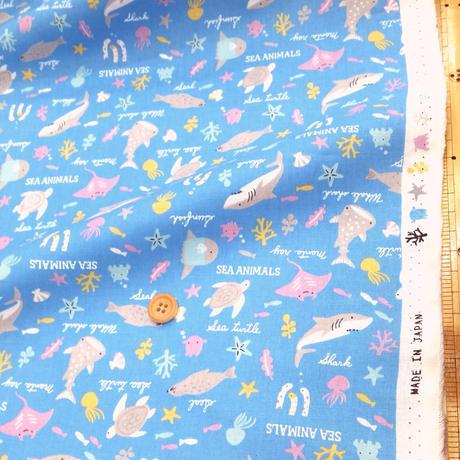 〈50cm単位販売〉【シーチング】可愛いマリン柄 水色地  約108cm幅 綿100%