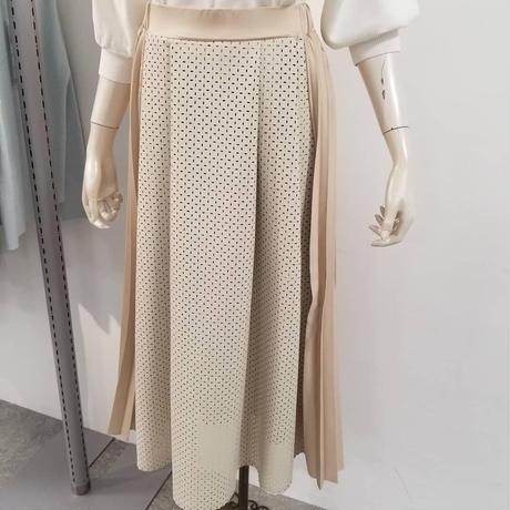 フェイクレザーパンチング&プリーツスカート