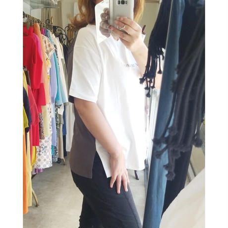 バイカラーVネックロゴTシャツ ベージュ×白 白×チャコール