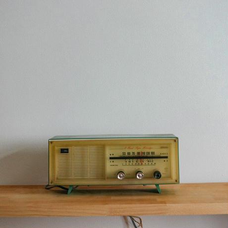 ヴィンテージ真空管ラジオ(グリーン)