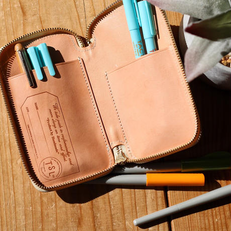 【THE SUPERIOR LABOR】saddle leather zip pen case