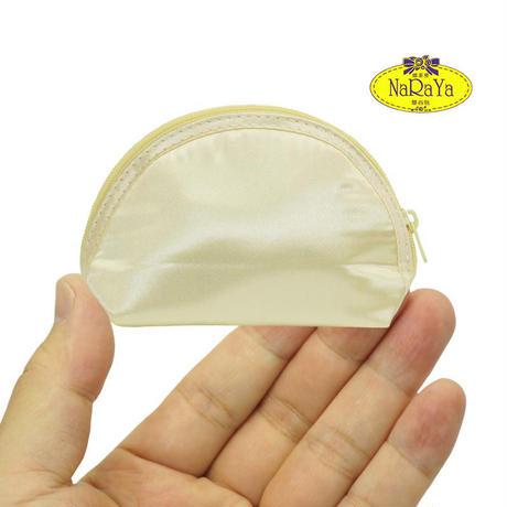 化粧ポーチ おしゃれで使いやすい ナラヤ NaRaYa 手のひらシェル型ケース・サテン(クリーム) NBS-187